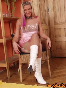 BabesInNylons BARBIE - white boots and tan nylon stockings (x43) 760*920