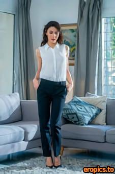 Fitting-Room Sasha Meow - Elegant French Babe - 118 Photos - Feb 26, 2021