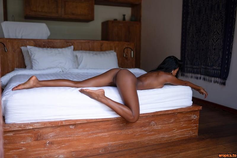 MoanaRosi Moana Rosi aka Tita Sahara Morning Strech 51 pics 19 MB