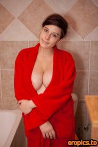 Cosmid Jamilla Melnyk - Jamillas In The Bath Tub - x133 - 3000px (5 Jan, 2021)