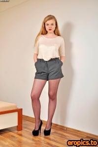 Pol-Legs Lola (x106) 1660*2500
