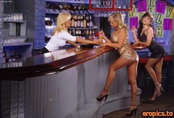 Twistys 2003.08.07 - Asia Carrera Jill Kelly Sindee Coxx - After Hour Fun | 1170x799 | 100 Pics