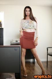 SweetheartVideo Silvia Saige, Emma Hix - In the Professor's Office (02.11.2020) - 260x