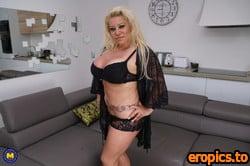 MatureNL Alexa Blun - Big breasted housewife goes wild 2560x1707 | 104 Pics 3-27-2021