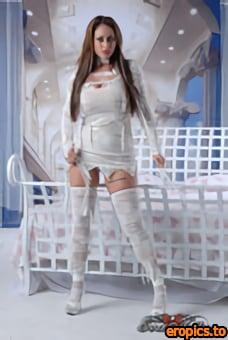 EvaNotty Naughty Mummy Solo 121pics 900 x 1300px 5-5-2021