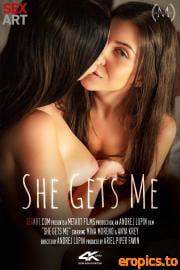 SexArt Anya Krey, Mina Moreno - She Gets Me (07.05.2021) - 80x