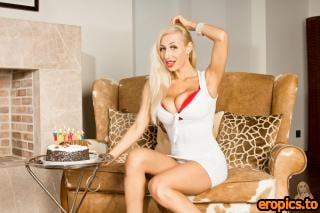 SexyVenera Sexy Venera - Birthday (30 Images)