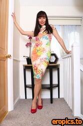 AuntJudys Cindy High Heels & Pantyhose Upskirt Play - 175 Photos - May 26, 2021