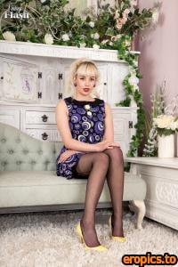 VintageFlash Emily Day - Floral garter gal! 164 pics 04 December 2015