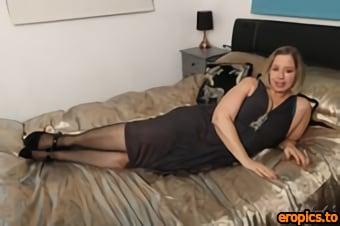 AuntJudys Star - Elegant Housewife Star Upskirt & Pantyhose Play - 161 Photos - Mar 16, 2021