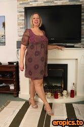 AuntJudys Star Living Room Upskirt & Pantyhose Play - 159 Photos - 6000px - Feb 11, 2021