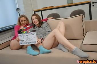 Baberotica Eliza Thorn, Daineris - Eliza Thorn and Daineris use a dildo for some fun lesbian sex - x102 - 5184px (27-02-2021)