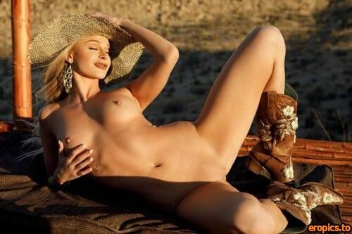 PlayboyPlus Emma Hix in Desert Sunset x46 2739px 04-30-2021 pre-release