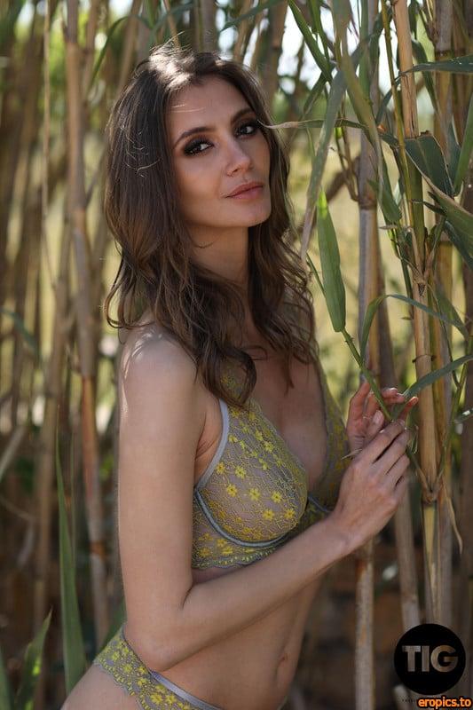 ThisIsGlamour Nicole Rose - Nymphomania - 21 Sep 2020 - 385x