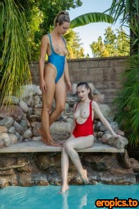 TheEmilyBloom Emily Bloom & Steph - Swim - x45 - 6720px (25 Aug, 2020)