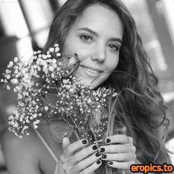 ArtOfDanWorld Katya Clover - Kitchen Flowers (Feb 9, 2021) x48