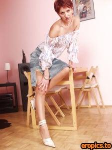 BabesInNylons CHRISTINA - vintage sheer seamed nylons 816*1088