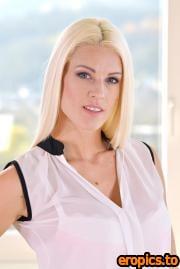 DDFNetwork Blanche Bradburry, Brittany Bardot - Toy Story for Blonde Vixens (22.12.2020) - 78x