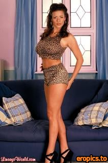 LinseysWorld Linsey Dawn McKenzie - Call of the Wild (100 Images)
