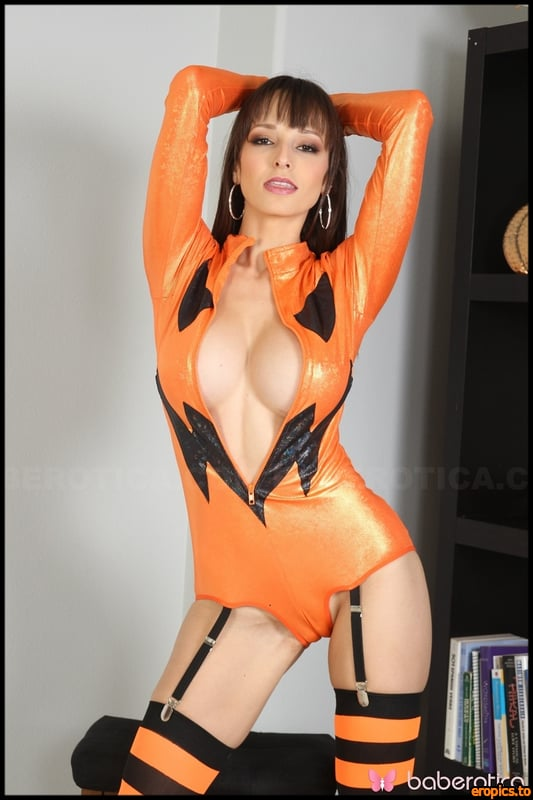 Baberotica Lexi Luna - GETS A TOY AND ORGASM FOR HALLOWEEN - x 66 - 5184px - March 27, 2019